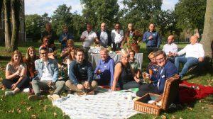 Een gezellig team, Nieuw Retie aan de picknick